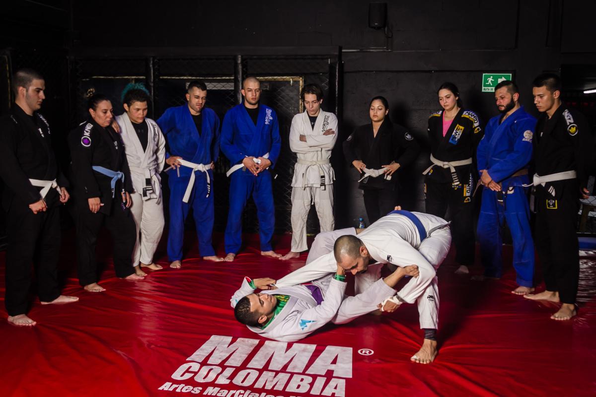 jiu jitsu con quimono